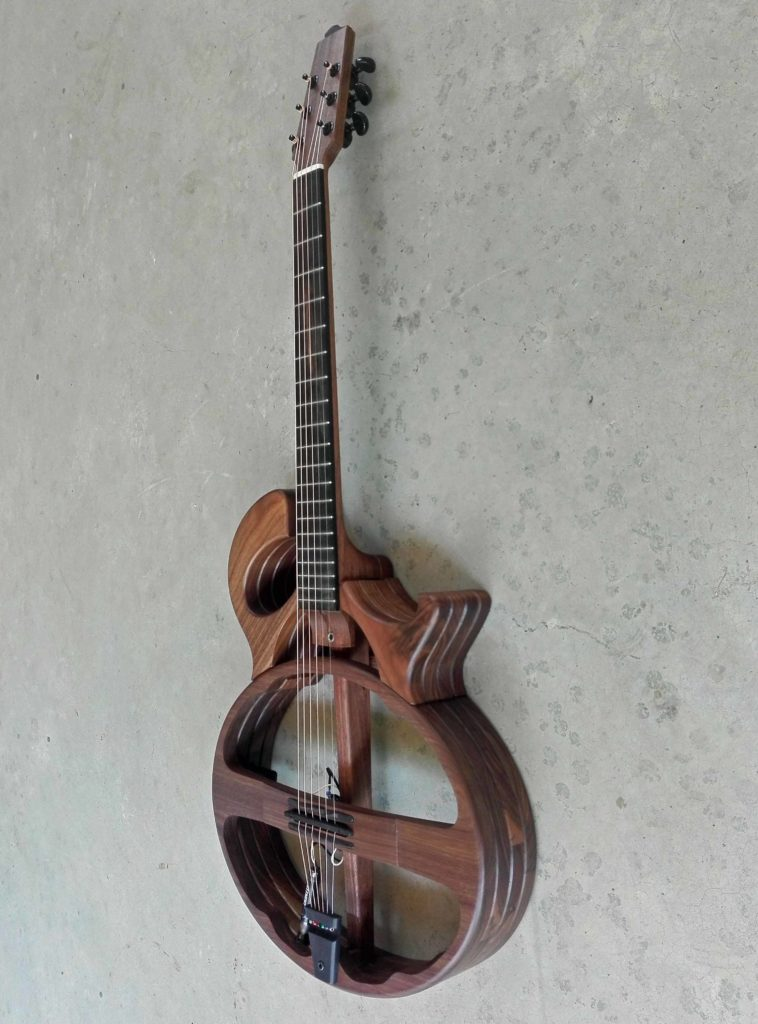 Silent Guitar - Walnut